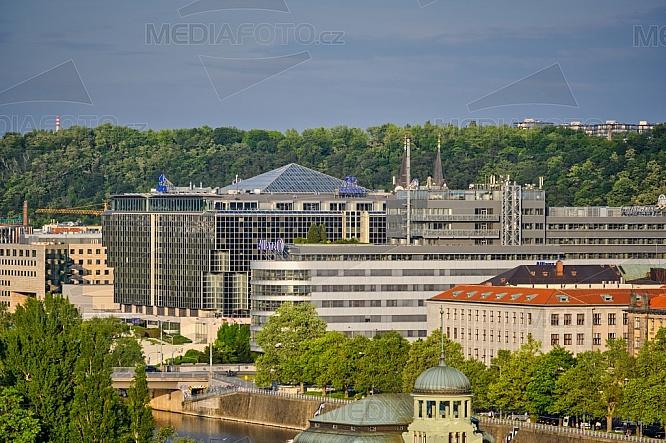 Budovy Hilton Prague a Allianz, Diamond Point, Praha