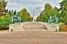 Liptovský Mikuláš, Vrch Háj - Nicovô, vojenský hřbitov, pomník