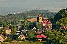 Kostel v obci Vyskeř